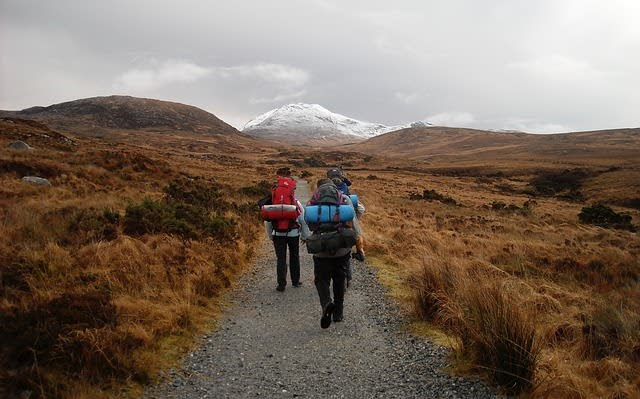 Ao escalar uma montanha é preciso estar atento às condições climáticas